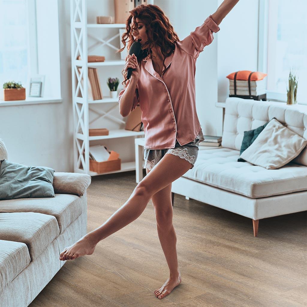 Ebenbild-vinyl-flooring-product-lines-classic-living-dancing